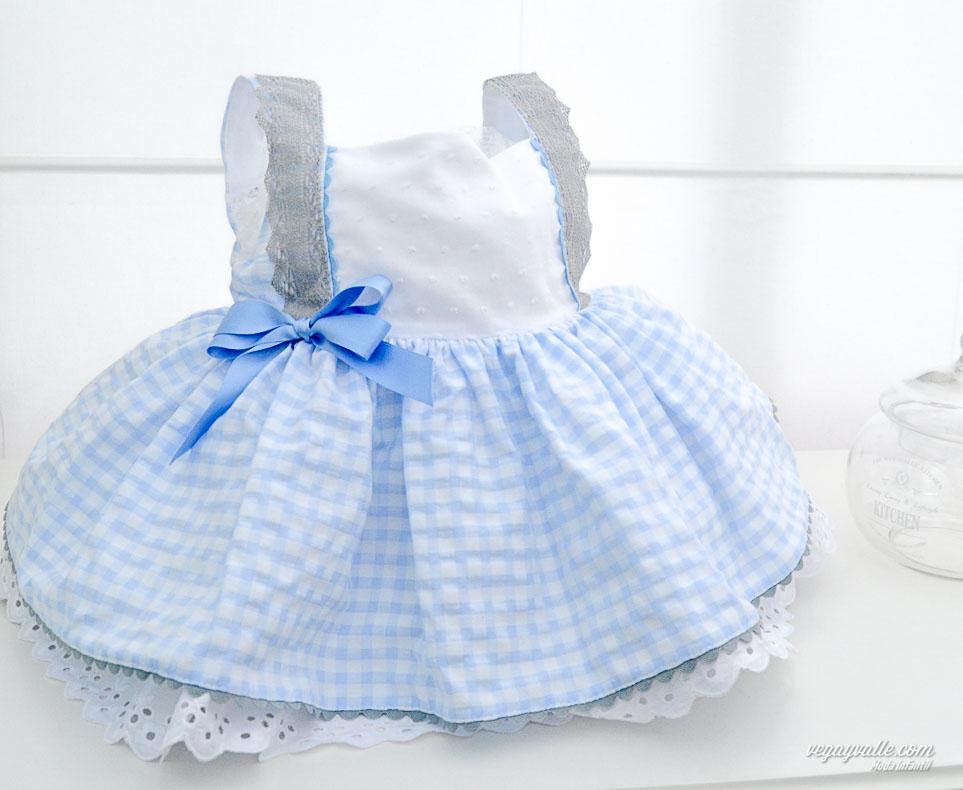 Vestido niña . Modelo Celeste