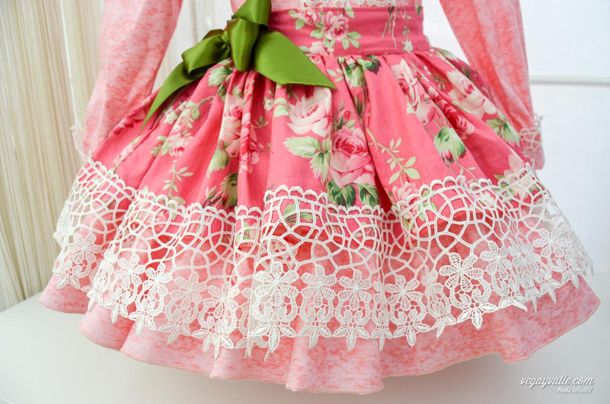 7f298a191 Cojunto de falda y camisa para niña · modelo Rosa